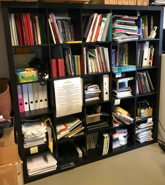 PACKED testte het online platform LibraryThing om de eigen collectie – voornamelijk bestaande uit boeken, tijdschriften en dvd's - te beschrijven. Met een goed overzicht op deze collectie wilde PACKED de interne bruikbaarheid ervan verhogen. Met de keuze voor LibraryThing werd geprobeerd om met minimale inspanningen toch een grote flexibiliteit in aanpak en rijk doorzoekbare metadata te creëren. Het werk werd uitgevoerd door een stagiaire van de opleiding Bibliothecaris-Documentalist uit de IESSID-hogeschool, onder begeleiding van PACKED-medewerkers Alina Saenko en Bart Magnus.