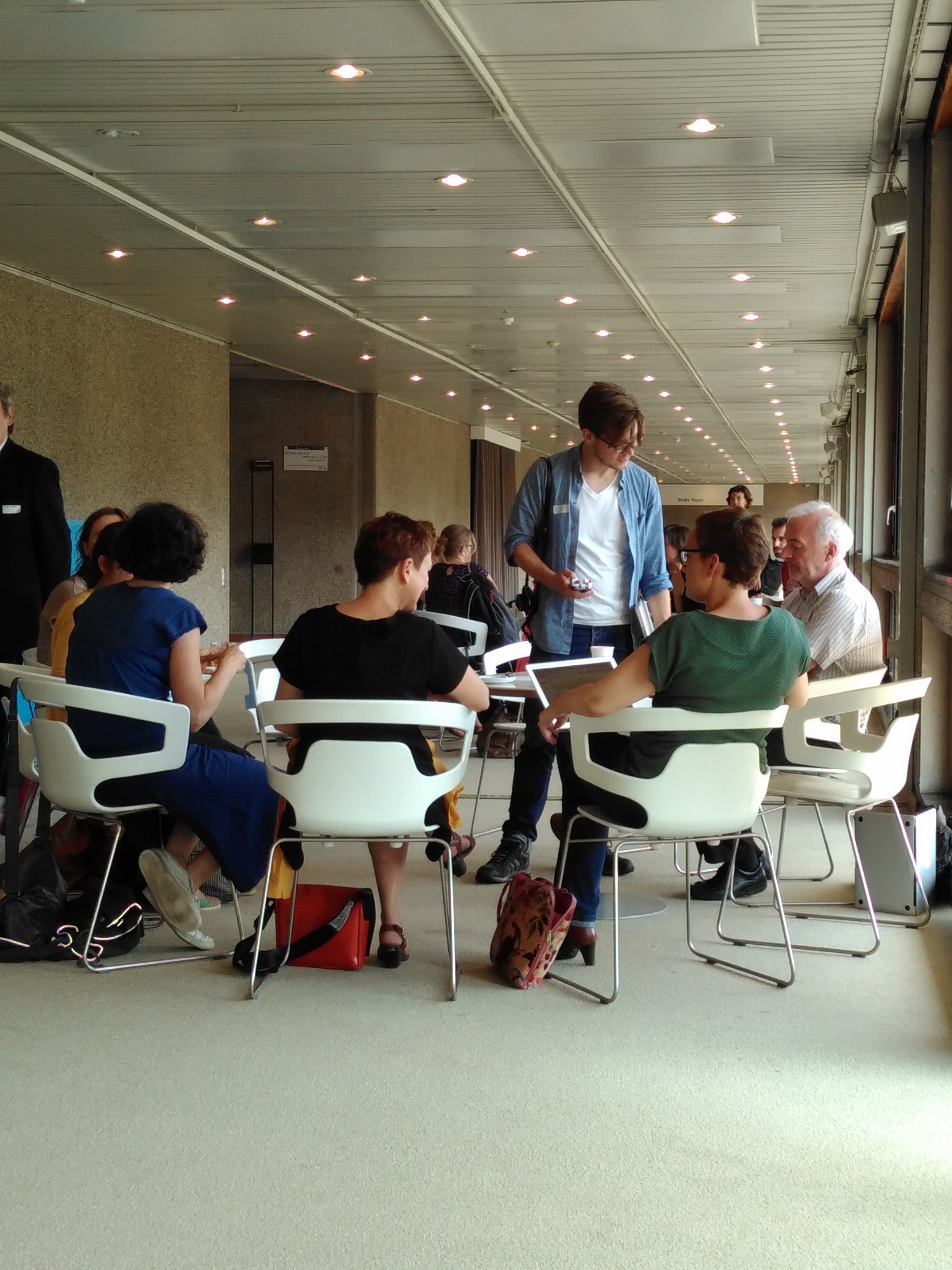 PACKED vzw organiseerde in samenwerking met alle partners uit het TRACKS-netwerk op 23 juni 2016 een derde ontmoetingsmoment omtrent archief- en collectiezorg in de kunstensector. Het verslag vind je nu online.